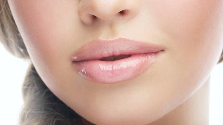 Lippenvergrößerung in der Türkei - Kosten - Lippen Aufspritzen